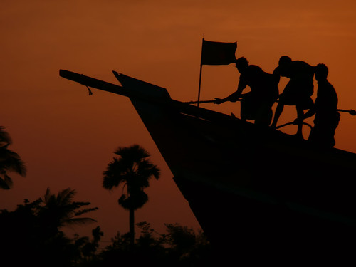 Wooden ship on the Rupsa River (Bangladesh) | by joiseyshowaa