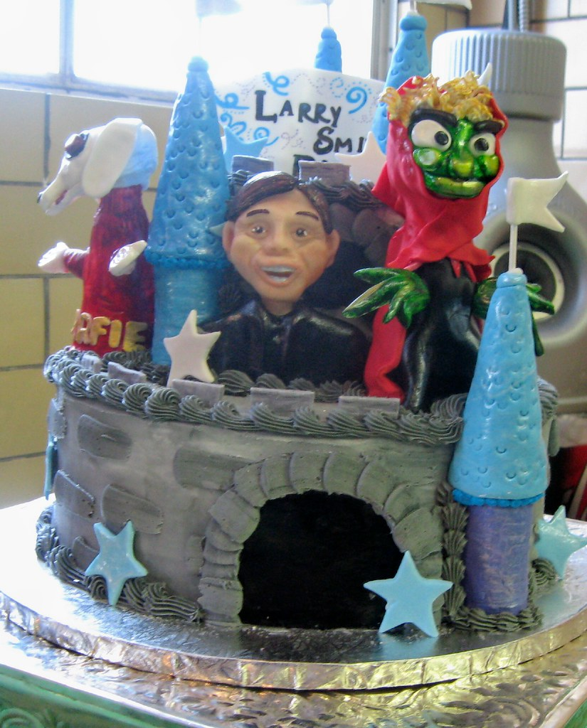 This was the HATTIE THE WITCH cake from LARRY SMITH DAY on… | Flickr