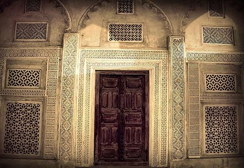 door old windows house canon bahrain traditional shaikh isa muharraq علي الشيخ بن بيت باب البحرين alammari تراث المحرق shakh عيسى تراثي d450 العماري