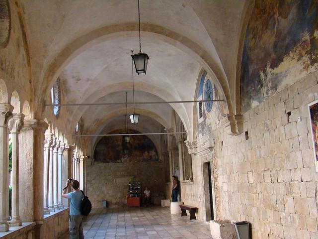 Dubrovnic claustro Convento monasterio Franciscano Croacia 03