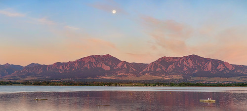 blue winter panorama moon mountain lake mountains west nature beautiful america sunrise landscape colorado unitedstates rocky panoramic boulder fullmoon frontrange bouldercounty jamesboinsogna