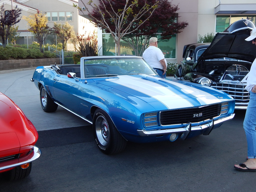 1969 Camaro RS | Looks to be ( Nassau Blue ) Rods on the Blu… | Flickr