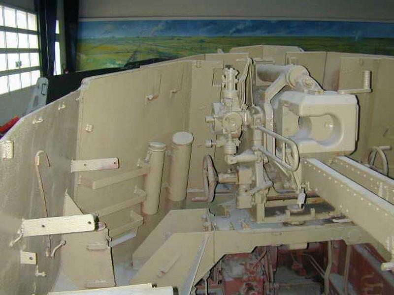 105mm leFH auf Hotchkiss 39H 9