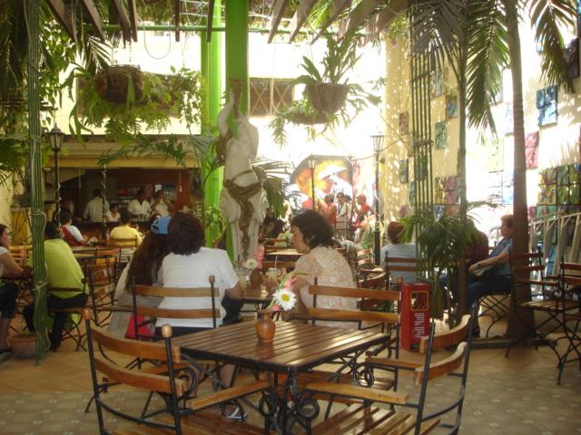 Terraza Bar De La Calle Obispo La Habana Cuba Terraza Ba
