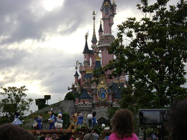 Château & Disneyland 15th show, Central Plaza, Main Street U.S.A., Disneyland-Paris, France - www.meEncantaViajar.com