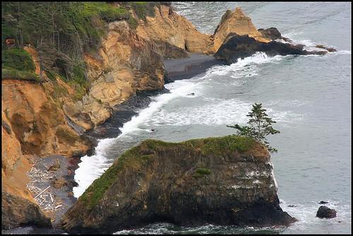 ocean sea cliff beach nature oregon geotagged coast waves pacific northwest or pacificocean pacificnorthwest handheld pacificcoast capefoulweather randomnature 50150mm sigma50150mmf28 sigma50150 geo:tool=gmif or07 random6 geo:lat=44759811 geo:lon=124066157