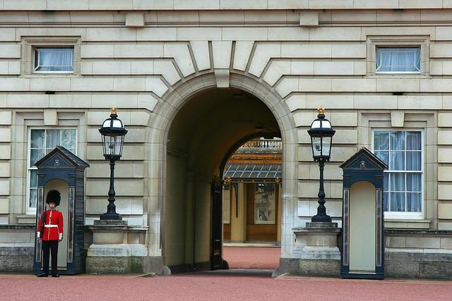 Buckingham Palace enter