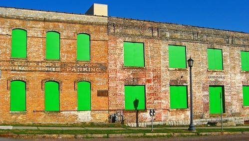227-365 - 8/15/08  Green Windows