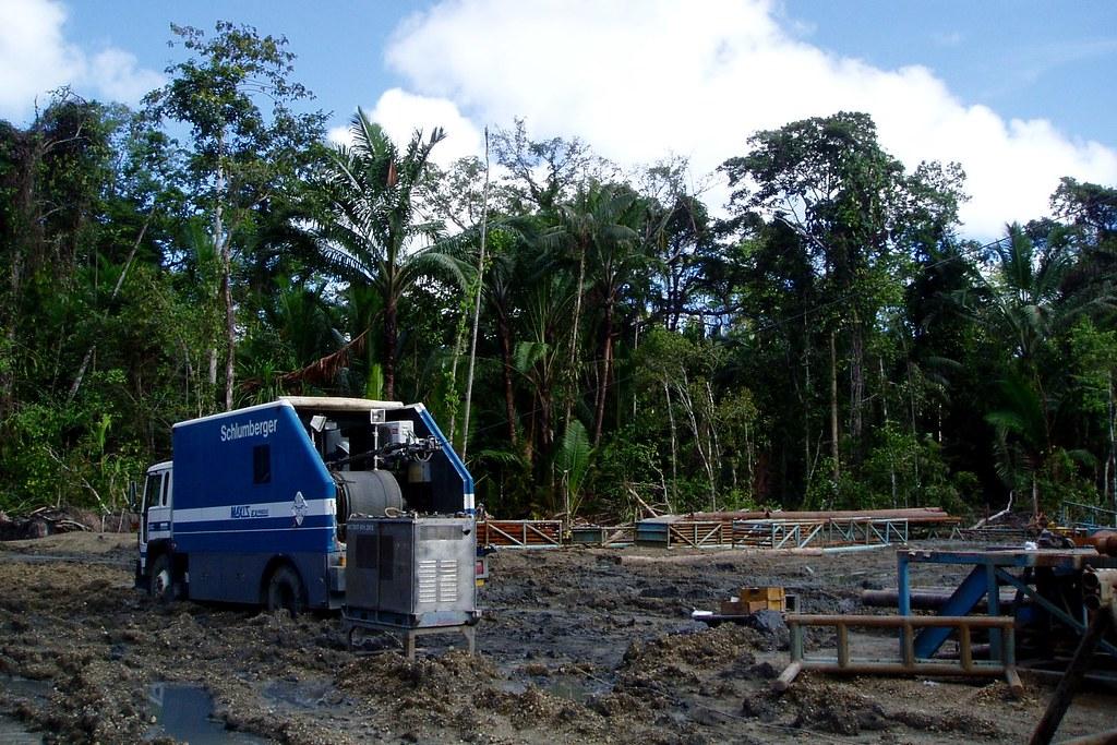 Wireline Truck in the Mud (P6140021) | The Schlumberger wire
