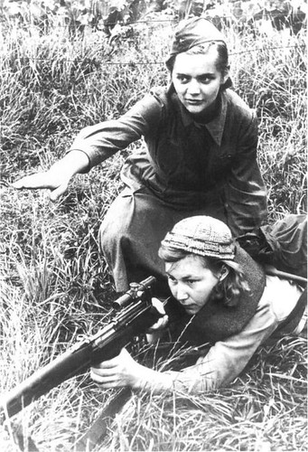 DMP-F94 FEMALE RUSSIAN SNIPERS WWII