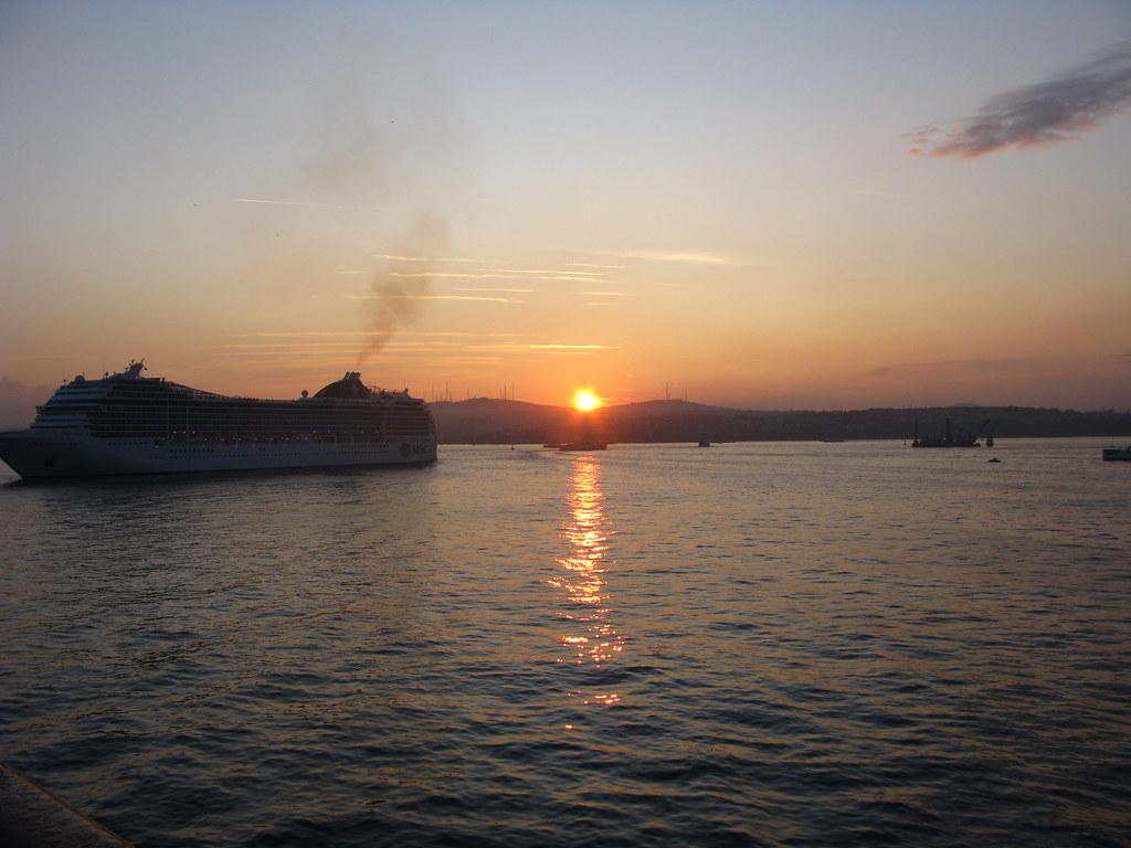 amanece llegando a Estambul