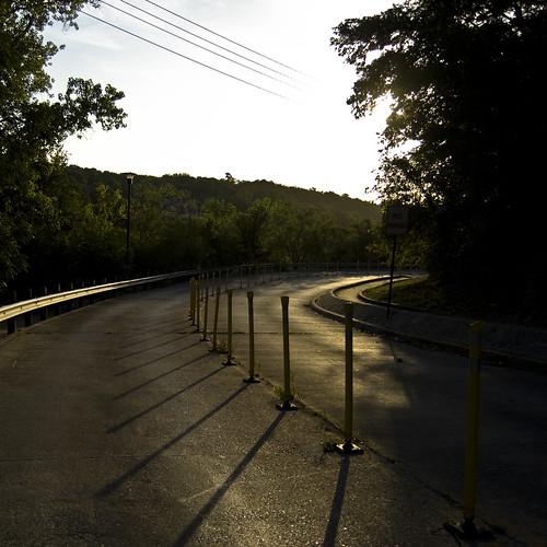 road street sunrise d50 morninglight shadows tsu texasstateuniversity txstate 50mmf18af lightonsurfaces