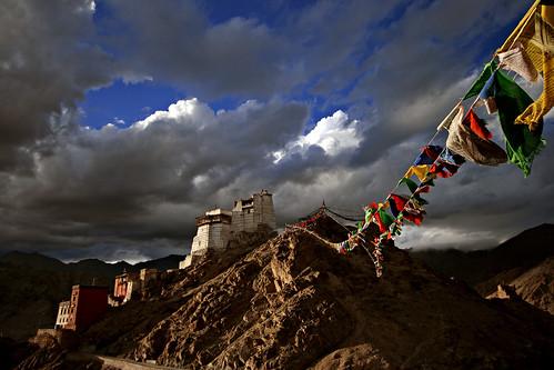 shadow panorama snow mountains water silhouette clouds reflections river tibet valley tibetan kashmir leh himalayas moonscape 1022 ladakh khardungla nubravalley jammu gompa jammuandkashmir nubra namgyal shyok shyokriver tsemo namgyaltsemogompa nubrariver