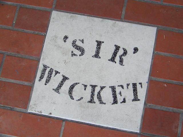 Sir Wicket Tile
