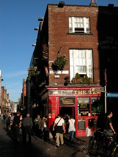 Temple bar | by jemil75