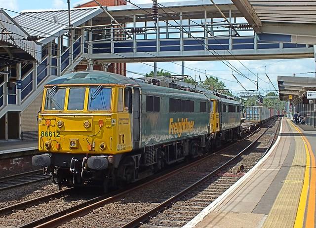 86612 & 86614 head the Felixstowe - Trafford Park  Freightliner service through Ipswich Station. 09 07 2015
