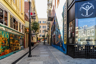 Jack Kerouac Alley and City Lights Bookstore | by Snap Man