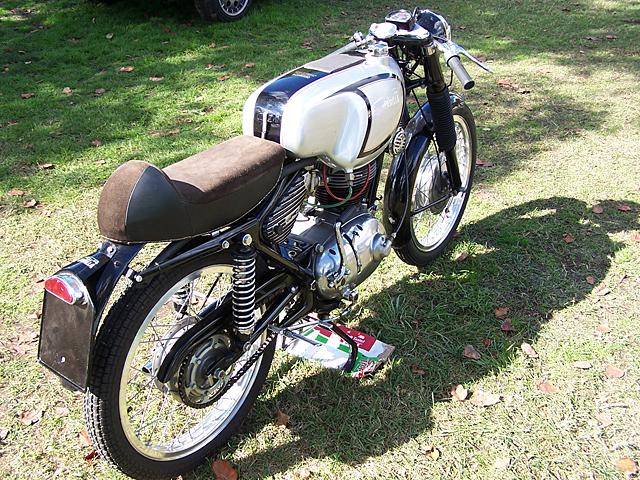 Italian motorbike.jpg