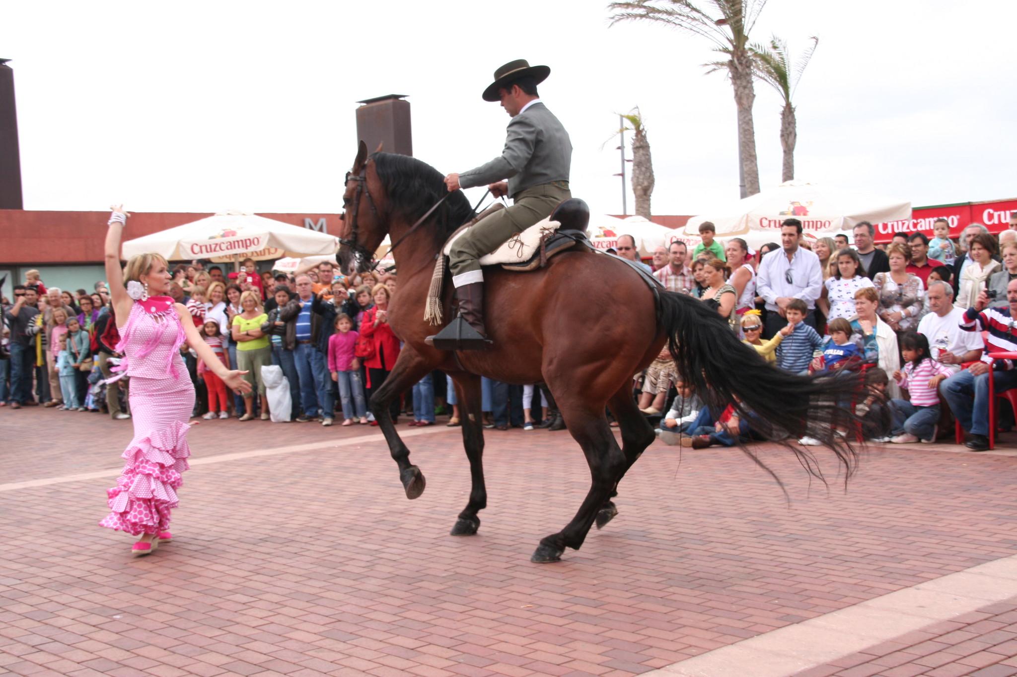 I Feria de abril en Las Palmas de Gran Canaria Sevillanas bailadas con jinete y caballo