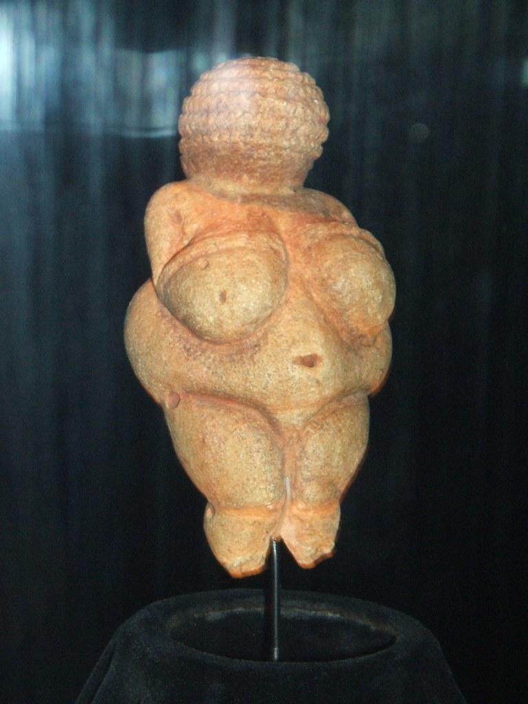 Venus of Willendorf / Venere di Willendorf | Female prehisto…