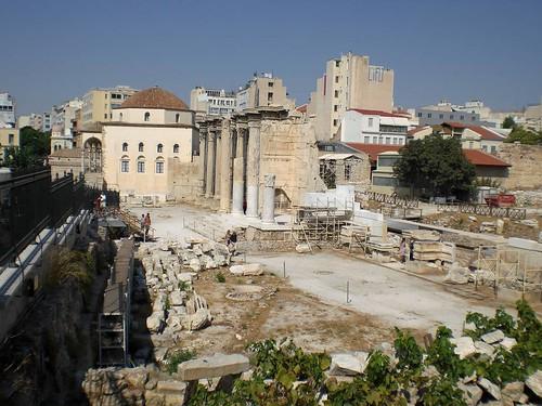 Hadriansbibliothek und Tsidarakis-Moschee | by maschinekn