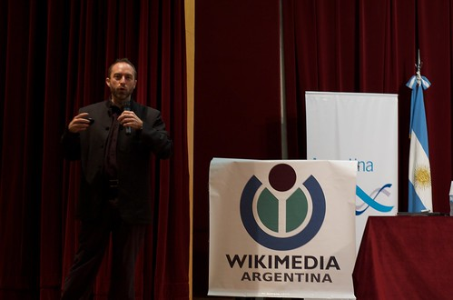 Jimmy Wales and flags | by blmurch