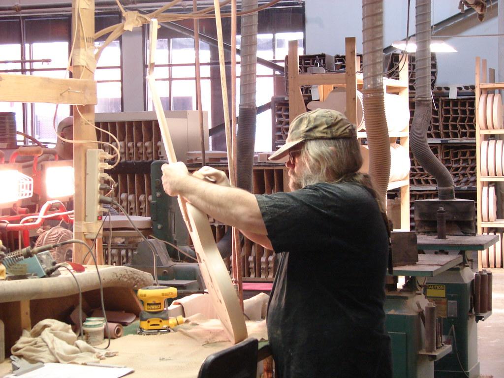 Gibson guitar factory, Memphis