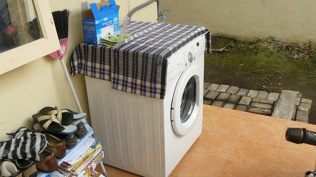 Mesin Cuci LG