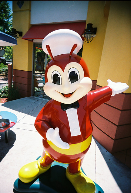 Jolly Bee Bee | Walked over to Jollibee and took some pictur