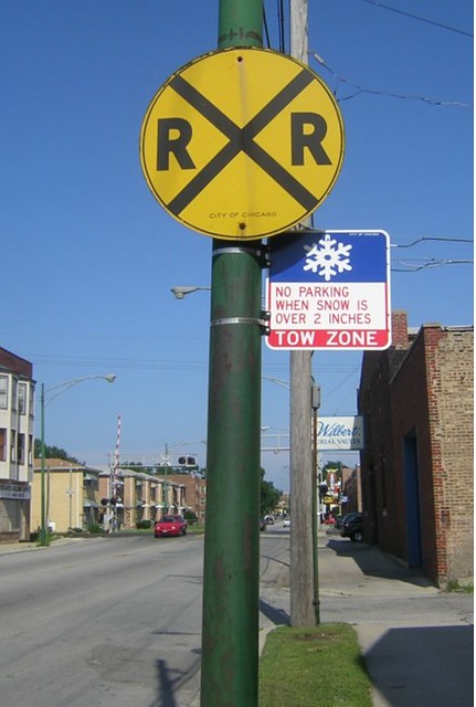 City RXR | Railroad Crossing sign along 111th Street in Chic