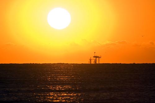 sea sun galveston sunrise nikon texas horizon oilrig d80