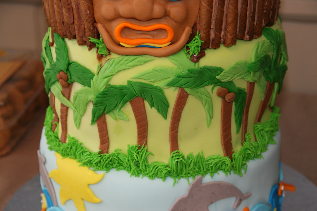 Pleasing Tiki Birthday Cake Middle Layer Tiki Cake Jungle Layer Flickr Funny Birthday Cards Online Elaedamsfinfo
