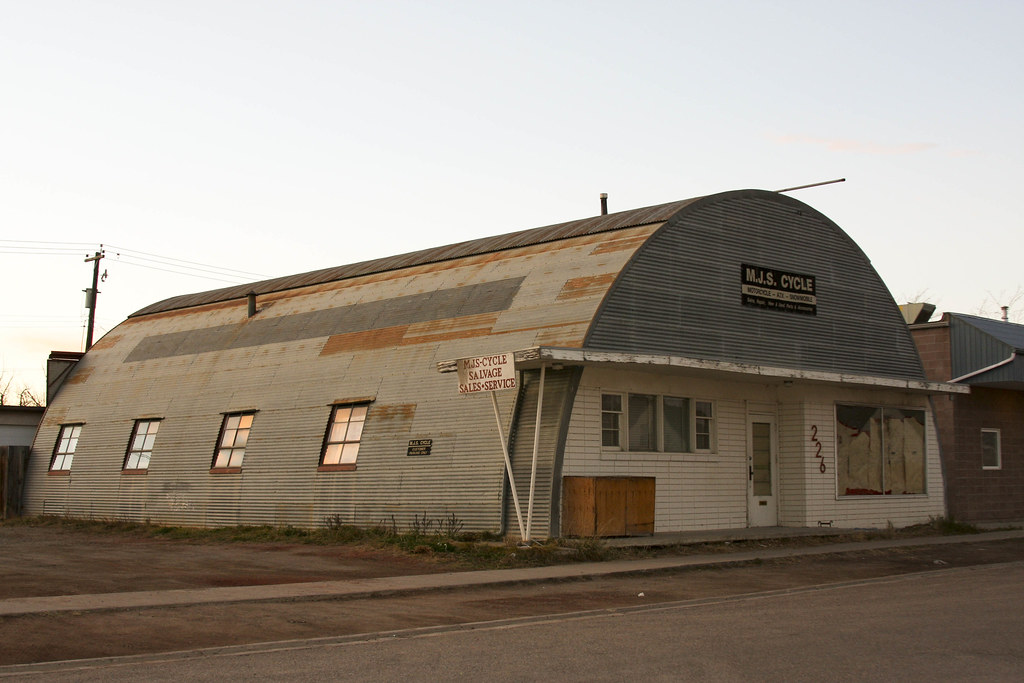 Military Surplus Quonset Huts For Sale >> Quonset Hut Building Quonset Hut Building Recently Vacat