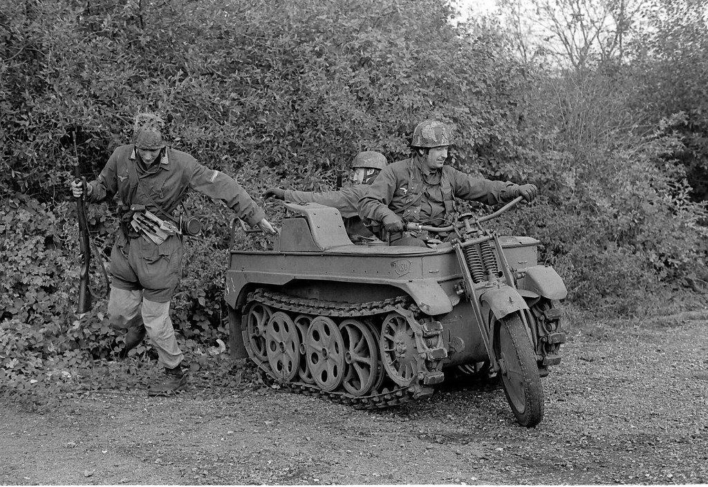 Le SdKfz 2, plus connu sous les noms de Kleines Kettenkraftrad HK 101 ou Kettenkrad . 3111122499_6029253cca_b