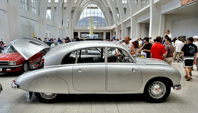 Tatra 600 Tatraplan (1951)