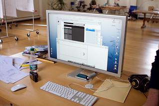 Desktop of an Interaction Designer / Juhan Sonin, Involution Studios / 20100423.7D.05895 / SML | by See-ming Lee (SML)