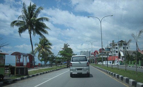 Road along the beach of Padang,West Sumatra,Indonesia | by ida.sudirno