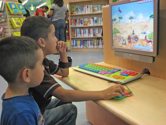 Children using the computer.