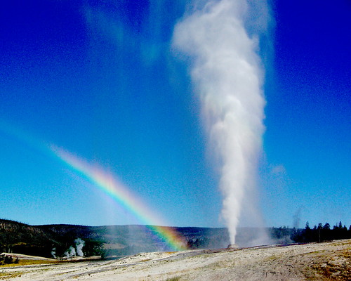 Beehive Geyser with rainbow - Yellowstone National Park | by Al_HikesAZ