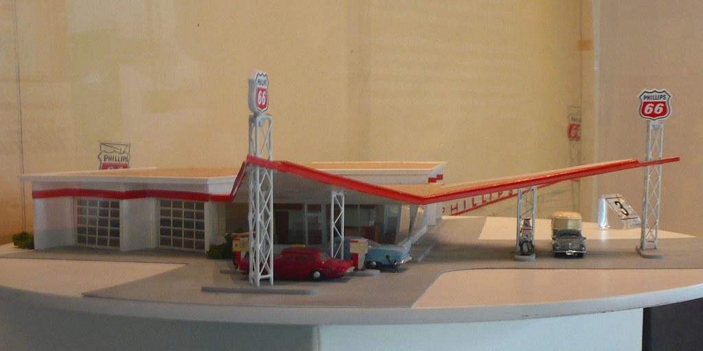 Bartlesville, OK Phillips Petroleum Museum Pier 66 model