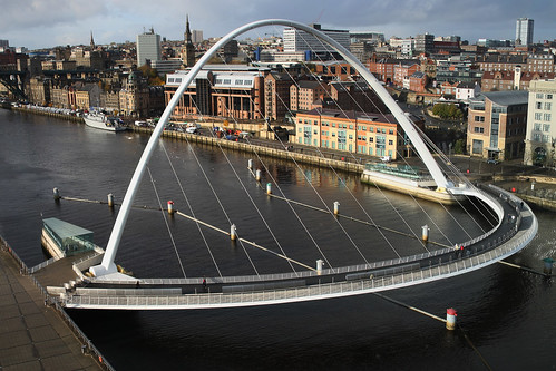 Gateshead Millennium  Bridge | by Leo Reynolds