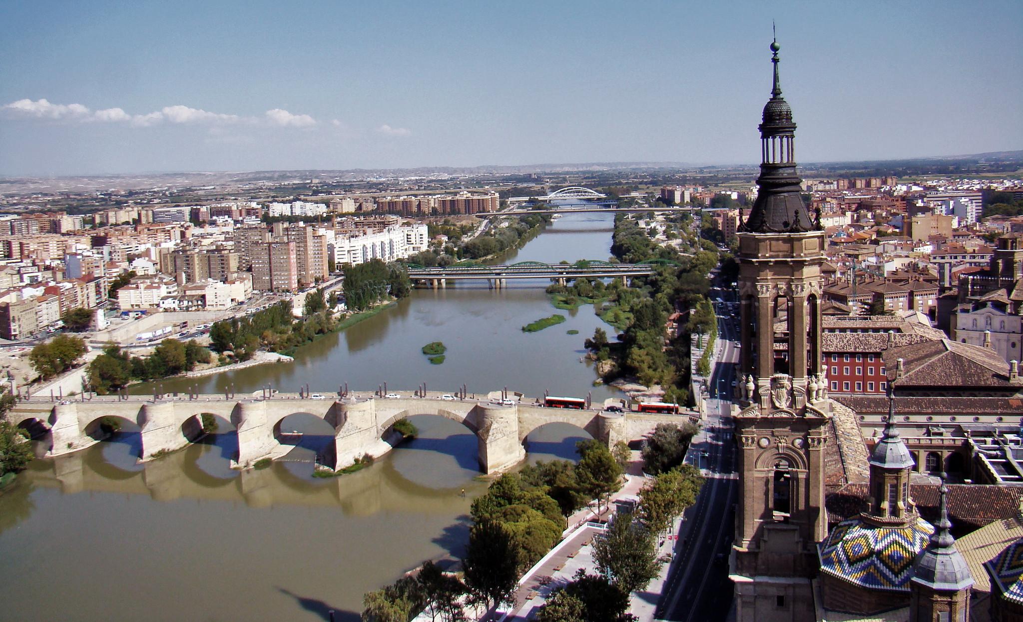 Vista Rio Ebro y Puente de Piedra y de Santiago desde Basilica del Pilar Zaragoza