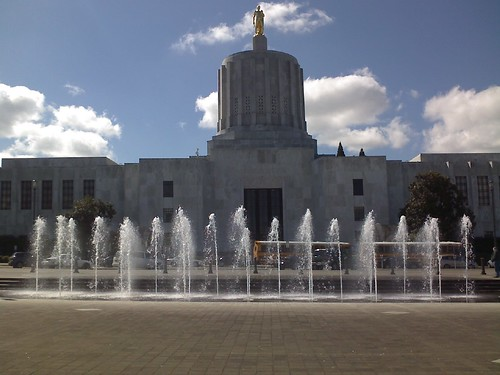 Fountain and Oregon State Capitol | by Jason McHuff