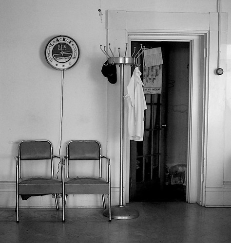 waiting room | Carl's Barber Shop, Miamisburg, Ohio. It's ...