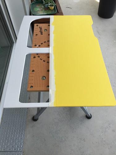 La porte du van avec du jaune | by arnaudban