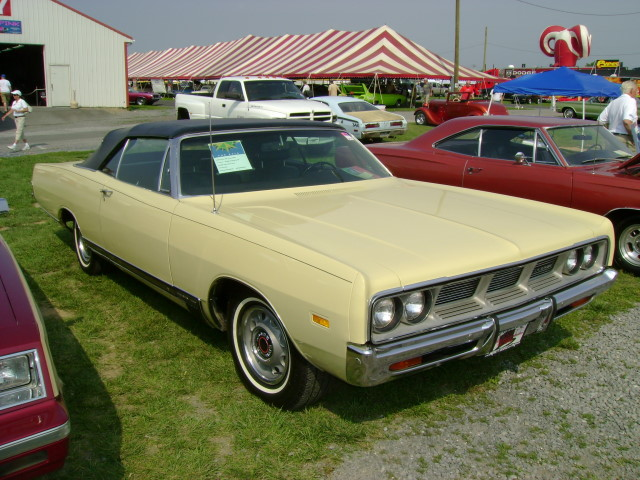 1969 Dodge Polara 500 convertible   These things are pretty