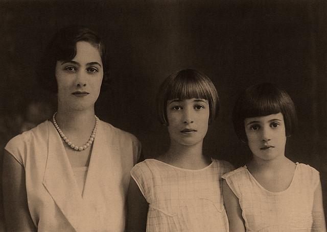 La mia mamma con le sue sorelle (2)
