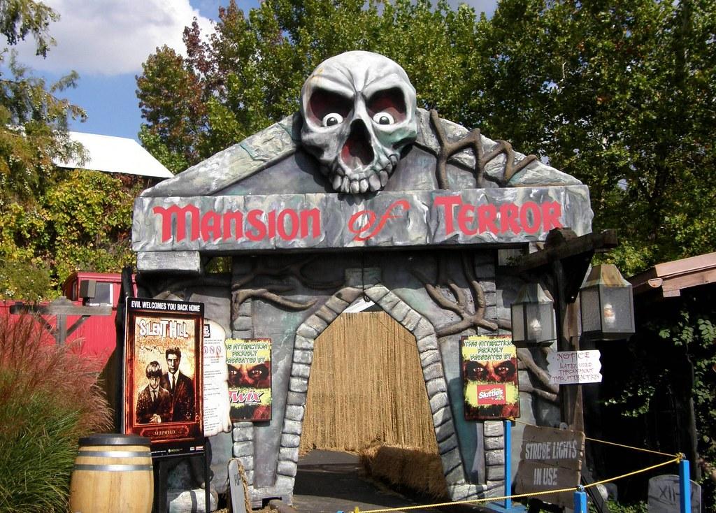 Negative G Six Flags St Louis Daredevil Daze Fright Fest 2017 Page Seven