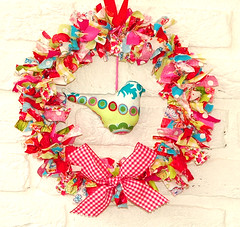 Fabric wreath with birdie1 | by Holland Fabric House