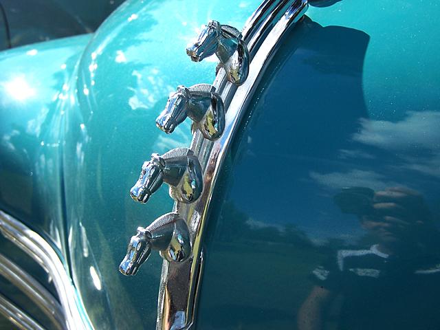 Renault hood ornament 2.jpg